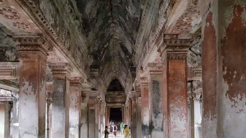 Gang in Angkor Wat